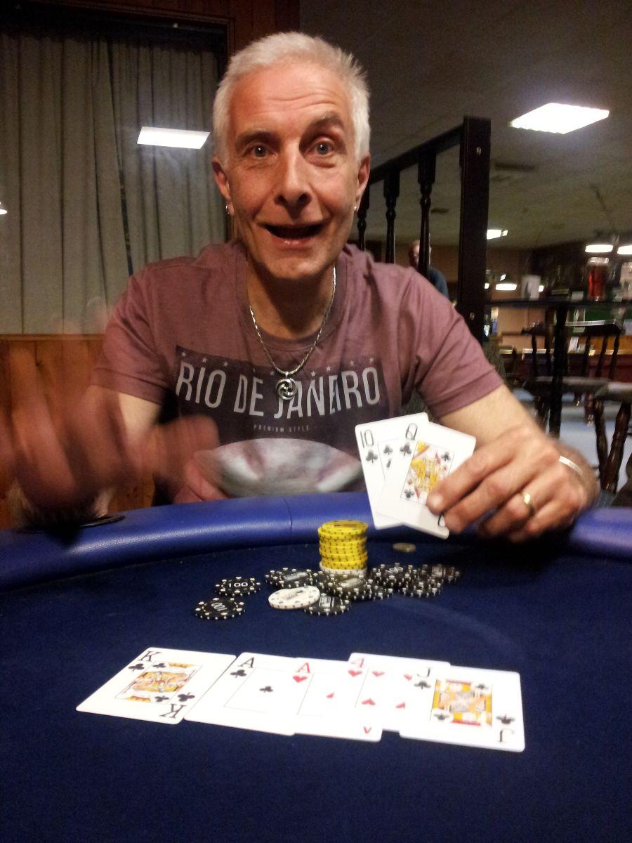 Poker league uk poker une paire deux paires